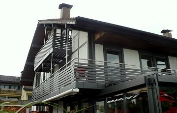 Geländer aus Stahl, Edelstahl u. Alu für Treppe u. Balkon - Dries